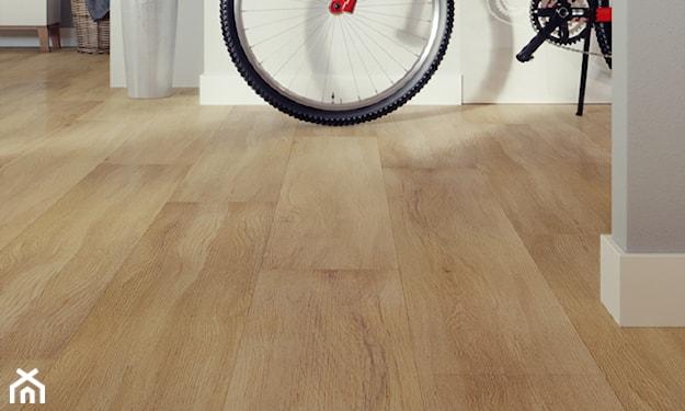 panele winylowe, podłoga drewnopodobna, podkład montażowy pod podłogę