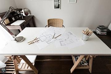 Jak urządzić domowy gabinet- wybieramy akcesoria i meble biurowe