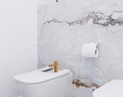 Biel i złoto w łazience w stylu glamour - zdjęcie od Gotowe Mieszkanie - Homebook