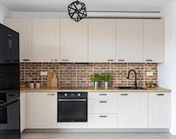 Jasne meble kuchenne - zdjęcie od Gotowe Mieszkanie - Homebook