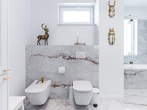 Elegancka łazienka z nutą stylu glamour