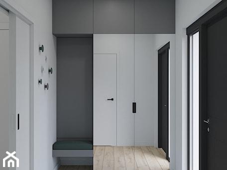 Aranżacje wnętrz - Hol / Przedpokój: Wiatrołap - Kivi Home - projektowanie wnętrz. Przeglądaj, dodawaj i zapisuj najlepsze zdjęcia, pomysły i inspiracje designerskie. W bazie mamy już prawie milion fotografii!