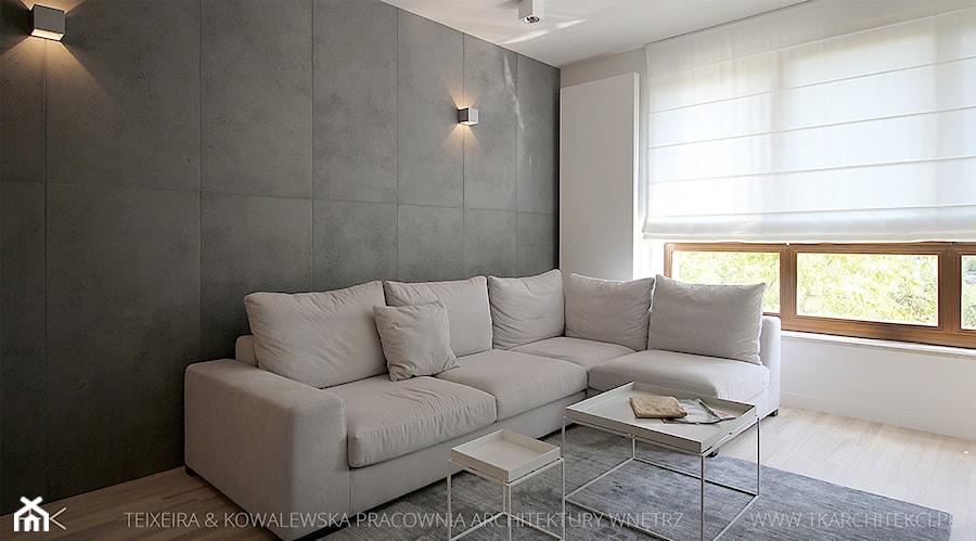 projekt wnętrz warszawa żoliborz - Średni szary beżowy salon, styl minimalistyczny - zdjęcie od TK Architekci