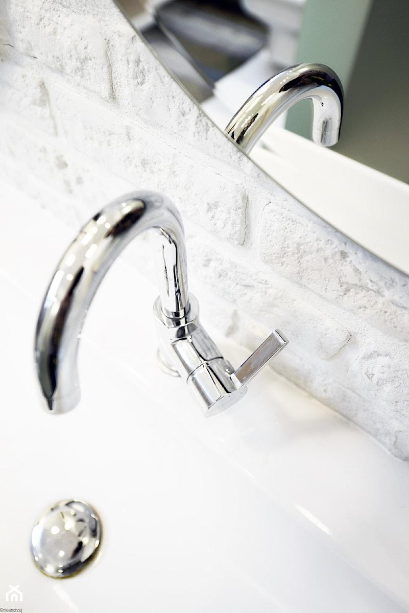 Remont łazienki małym kosztem - Łazienka, styl skandynawski - zdjęcie od ANIEA - Andrzej Niegrzybowski architekt