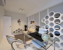 Biokominki EcoSmart - Renovator Range - Duże szare biuro domowe w pokoju, styl nowoczesny - zdjęcie od Ambusto Polska