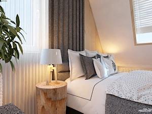 APARTAMENT Z ROZETĄ - Zakopane - Mała biała sypialnia małżeńska na poddaszu, styl nowoczesny - zdjęcie od Projektantka ma PLAN