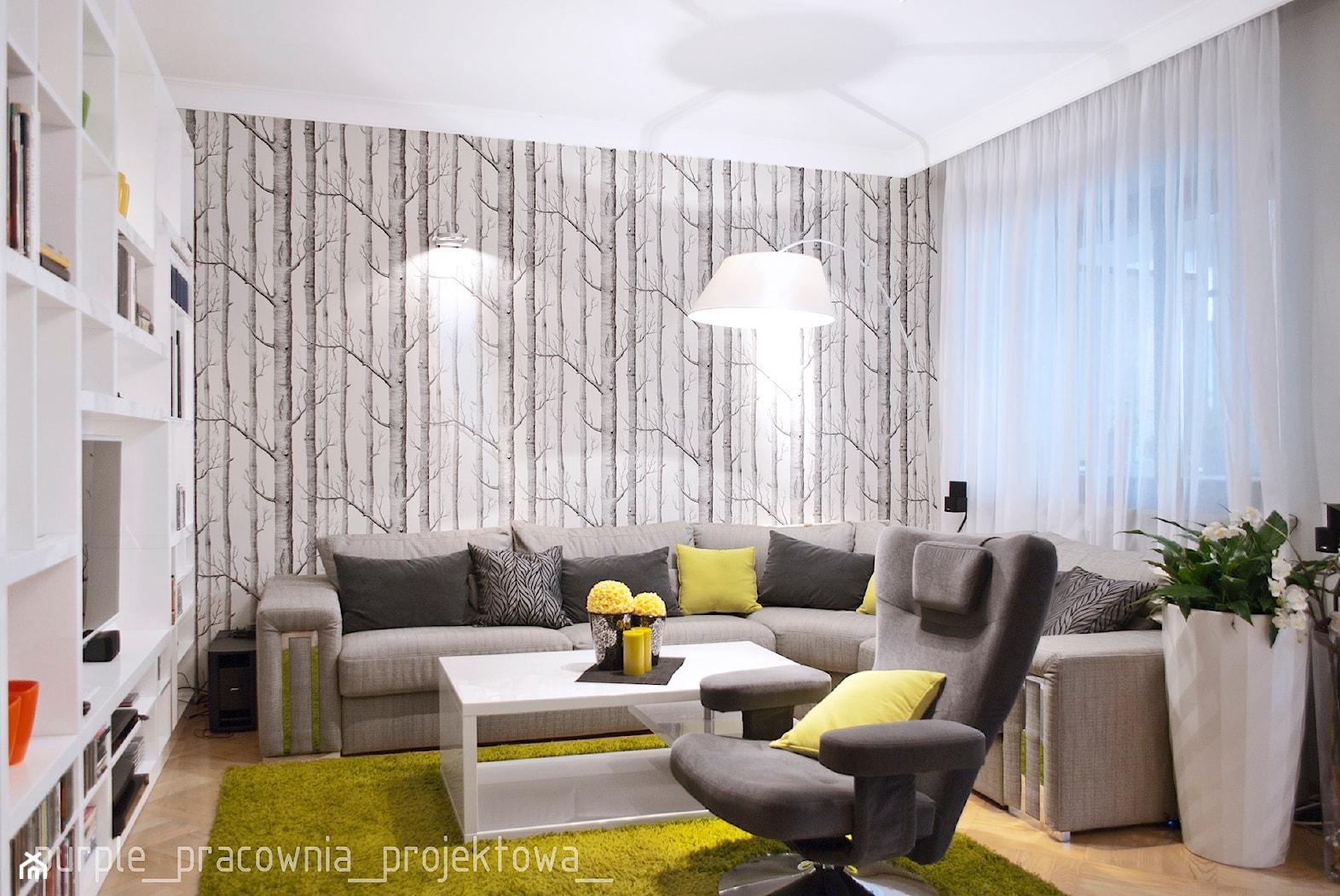 Mieszkanie na Ursynowie - Mały salon z bibiloteczką, styl eklektyczny - zdjęcie od PURPLE PRACOWNIA - Homebook