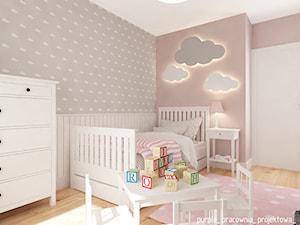 Mieszkanie Wilanów 110 m2 - Średni szary różowy pokój dziecka dla dziewczynki dla malucha, styl skandynawski - zdjęcie od PURPLE PRACOWNIA