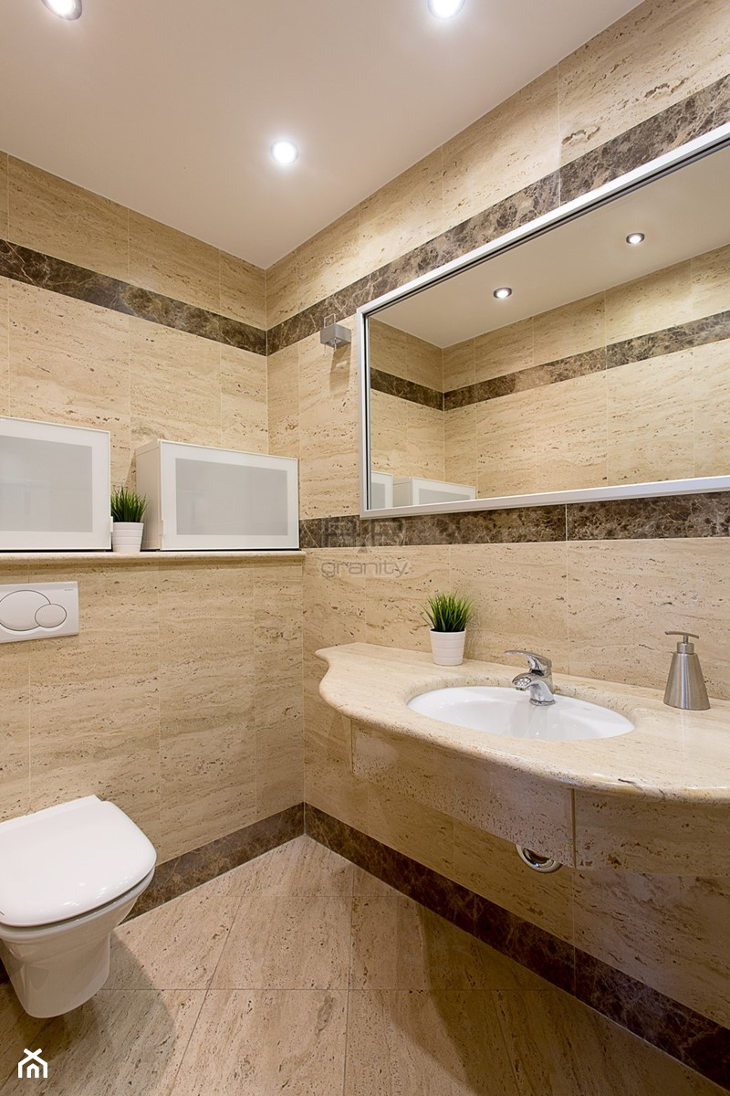 Łazienki - Mała łazienka bez okna, styl klasyczny - zdjęcie od RR Granity