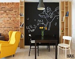 Projekt mieszkania na wynajem w Zielonej Górze - Średnia otwarta jadalnia w salonie, styl skandynawski - zdjęcie od SAS Wnętrza i Kuchnie