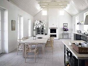 Duża otwarta biała jadalnia w kuchni, styl skandynawski - zdjęcie od DominikaWalczak