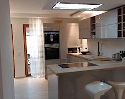 kuchnia+otwarta+na+salon+-+zdj%C4%99cie+od+Ela+Sok%C3%B3%C5%82