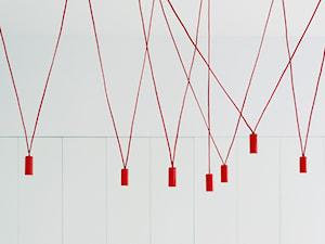 Lampa kablowa madeupspace - zdjęcie od MUS ARCHITECTS