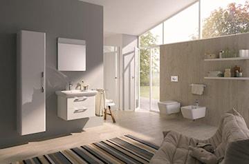 Dlaczego warto postawić na ciepły odcień bieli w łazience? Wybieramy ceramikę łazienkową na lata!