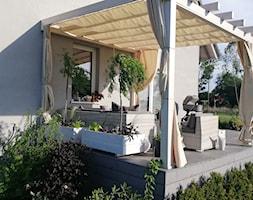 taras - Średni taras z tyłu domu - zdjęcie od Adriana Piotrowska