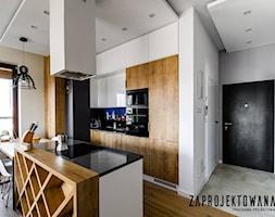 Apartament w stylu skandynawskim - Średni biały salon z kuchnią z jadalnią, styl nowoczesny - zdjęcie od ZAPROJEKTOWANA - Homebook