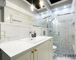 Mieszkanie na Mariensztacie - Średnia łazienka w bloku w domu jednorodzinnym bez okna - zdjęcie od ZAPROJEKTOWANA - Homebook