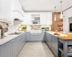 Klasyczny eklektyzm - Średnia otwarta biała kuchnia w kształcie litery u, styl klasyczny - zdjęcie od Artur Krupa - Fotografia Wnętrz - cała Polska