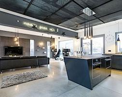 Industrialny look - Średni szary biały salon z kuchnią z jadalnią, styl industrialny - zdjęcie od Artur Krupa - Fotografia Wnętrz - cała Polska