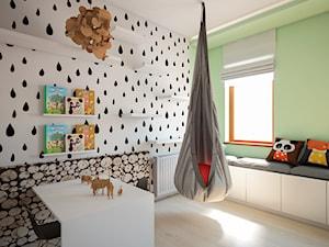 Dom Słoneczne Kliny - Średni biały zielony pokój dziecka dla chłopca dla ucznia dla malucha dla nastolatka, styl skandynawski - zdjęcie od FRS ARCHITEKCI