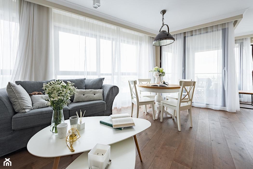 Modernistyczne Białe meble do salonu. 5 pomysłów na modny salon w bieli - homebook OM55