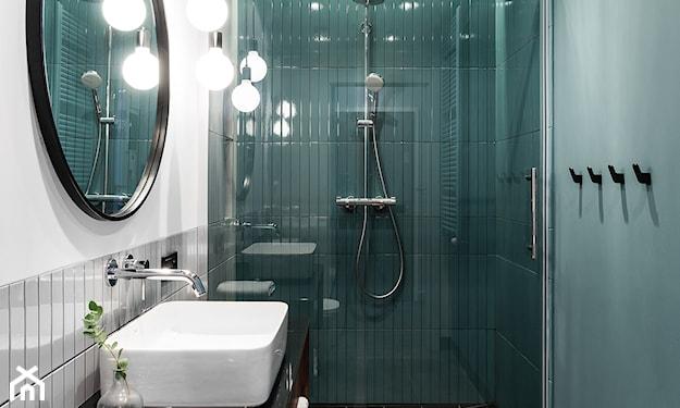 wąska łazienka w bloku
