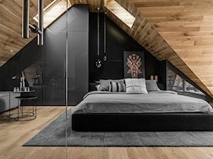 Sopot. ul.Okrężna - Duża beżowa sypialnia dla gości na poddaszu, styl nowoczesny - zdjęcie od Raca Architekci