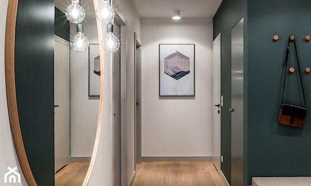 lustro na korytarz