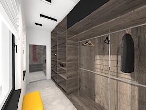 Rezydencja na Woli Justowskiej - Duża zamknięta garderoba z oknem oddzielne pomieszczenie - zdjęcie od Studio FORMAT HOME