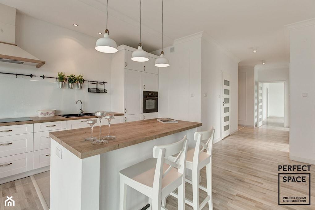 Jak oddzielić kuchnię od salonu? Pomysły dla otwartej   -> Mala Kuchnia Styl Skandynawski