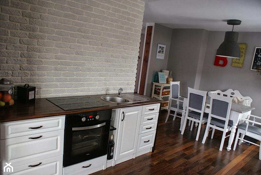 kuchnia i jadalnia po metamorfozie zdjęcie od agata berka