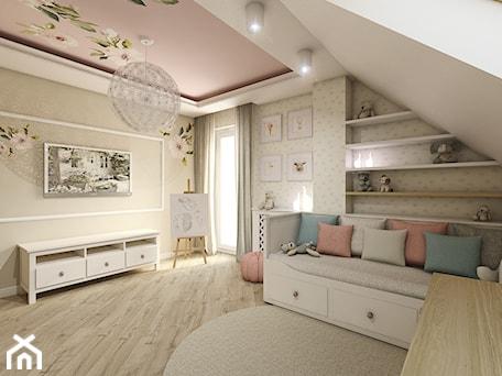 Aranżacje wnętrz - Pokój dziecka: Pokój dziewczynki - Duży beżowy pokój dziecka dla dziewczynki dla malucha, styl klasyczny - METEOR. Przeglądaj, dodawaj i zapisuj najlepsze zdjęcia, pomysły i inspiracje designerskie. W bazie mamy już prawie milion fotografii!