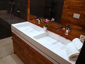 Umywalki podwójne i inne duże umywalki z blatem na wymiar.