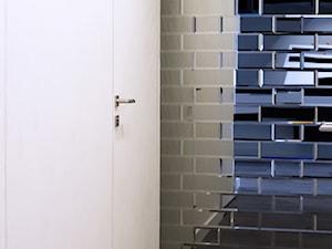 Płytki lustrzane - sposób na rozświetlenie wnętrza