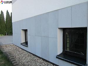 Elewacja z płyt z betonu architektonicznego