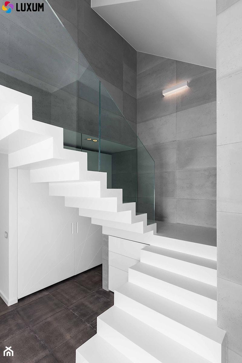 92249a714e559d Aranżacje wnętrz - Schody: Beton architektoniczny we wnętrzu - Luxum.  Przeglądaj, dodawaj i