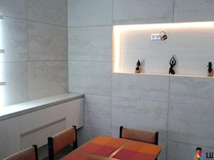 Beton architektoniczny w jadalni i kuchni