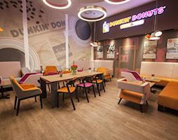 Podłogi winylowe Dunkin' Donuts - zdjęcie od Luxum