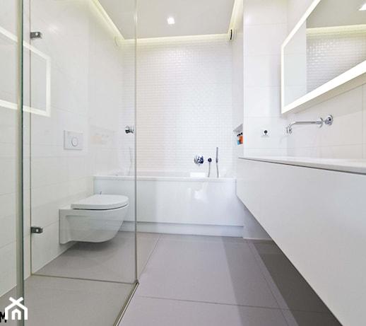 Nowoczesna łazienka w bieli - zdjęcie od Luxum