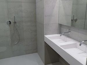 Minimalizm w łazience - beton architektoniczny i wyposażenie sanitarne od Luxum