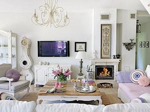 Średni biały salon, styl prowansalski - zdjęcie od Judyta