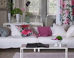 Mały beżowy salon, styl rustykalny - zdjęcie od Decodore
