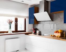 Biało Granatowa Kuchnia Zdjęcie Od Decoroom Homebook