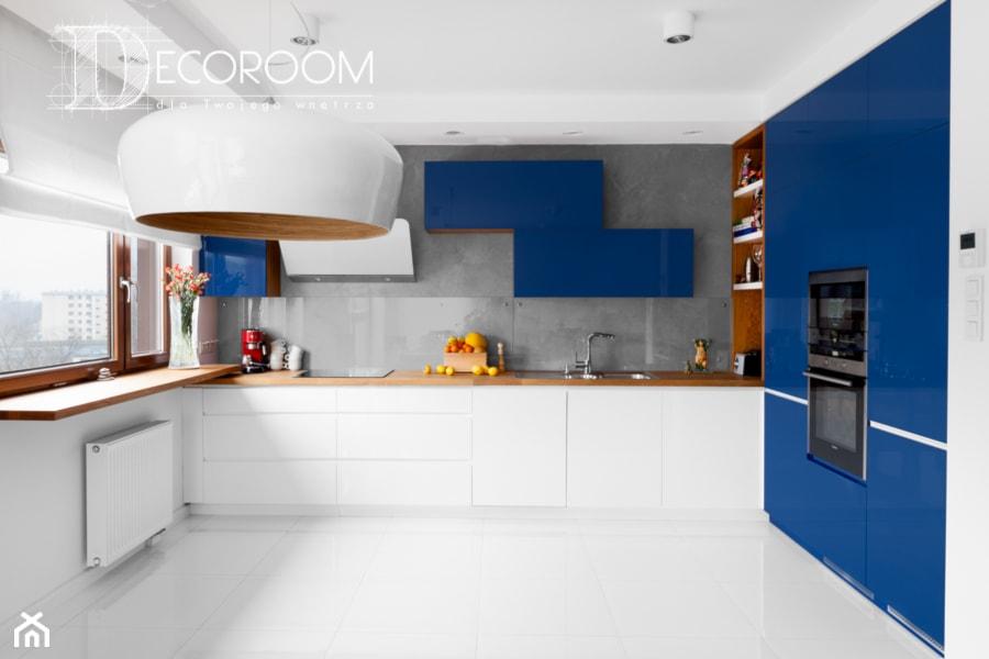 Biało Granatowa Kuchnia Zdjęcie Od Decoroom