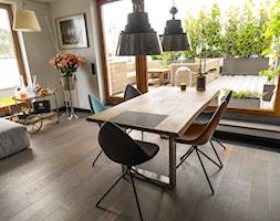 Sadyba 110 - Średnia otwarta biała jadalnia w kuchni w salonie, styl nowoczesny - zdjęcie od Łukasz Milewski Architekt - Homebook