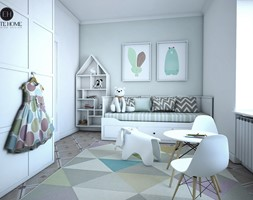 POKÓJ DZIECI - Średni biały pastelowy miętowy pokój dziecka dla dziewczynki dla malucha, styl skandynawski - zdjęcie od ELITE HOME