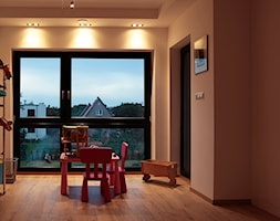 WILLA ŻUREK 01 proj. J. Żurek - Mały brązowy pokój dziecka dla chłopca dla dziewczynki dla rodzeństwa dla ucznia dla malucha, styl minimalistyczny - zdjęcie od AUTORSKA PRACOWNIA PROJEKTOWA DR JACEK KRZYSZTOF ŻUREK