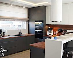 Dom jednorodzinny, Strefa dzienna - Kuchnia, styl nowoczesny - zdjęcie od Anna KarJan Pracownia architektury wnętrz