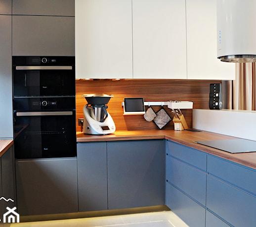 Kuchnia z płyta meblową na ścianie nad blatem kuchennym   -> Kuchnia Weglowa Bez Weżownicy