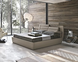 Sypialnia - Duża sypialnia dla gości na antresoli z balkonem / tarasem, styl włoski - zdjęcie od italiastyle